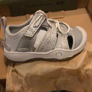 Keen Silver Moxie Sandal -Size 4 (tots/little kid)